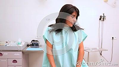 急切患者开会,当等待医生时 股票录像