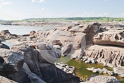 惊人的岩石