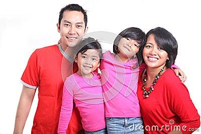 愉快的亚洲家庭
