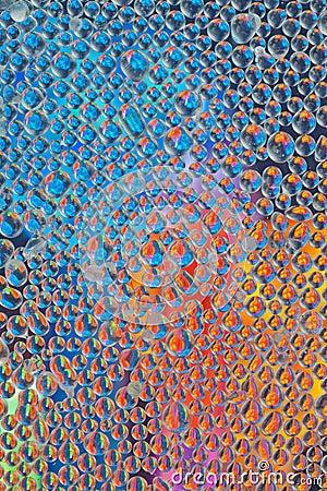 成串珠状被对立的玻璃