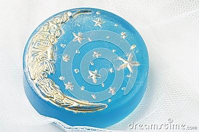 手工制造月亮肥皂