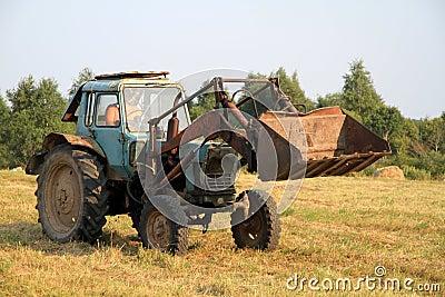拖拉机图片