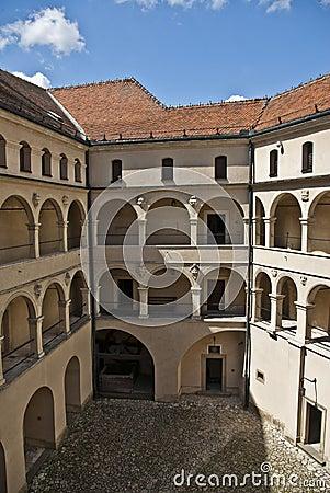拱廊城堡庭院pieskowa skala