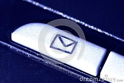 按钮电子邮件