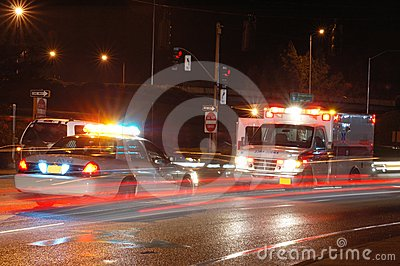 救护车晚上