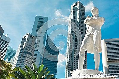 新加坡。 raffles先生雕象