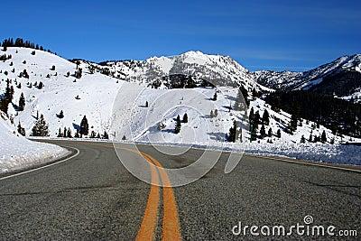 方铅矿山顶冬天