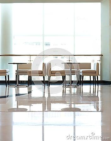 明亮的caf室内休闲