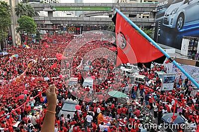 曼谷红色衬衣集会 编辑类库存照片