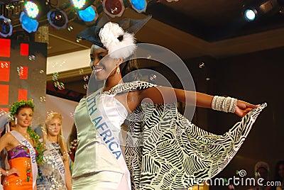 有国家服装的南非小姐 编辑类照片