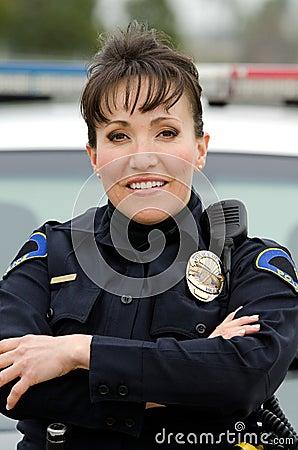 微笑的官员