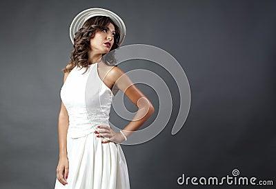 有帽子的新娘