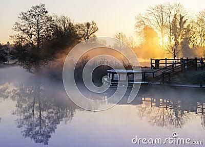 有薄雾的英国