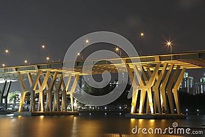 本杰明Sheares桥梁