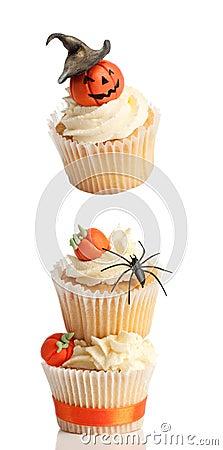 装饰的杯形蛋糕浮动的万圣节一个南瓜顶层. -杯形蛋糕万圣节 21324533图片