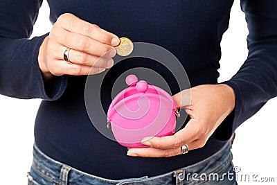桃红色钱包。