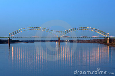 桥梁desoto hernando