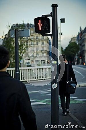 横穿步行者