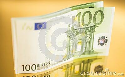 100欧元