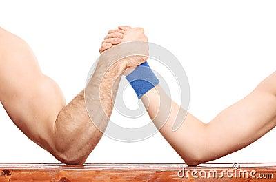 武器角力在一肌肉胳膊和皮包骨头那个之间