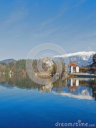 流血的湖斯洛文尼亚冬天