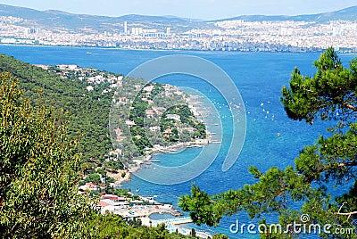 海岛海岸线和城市图片