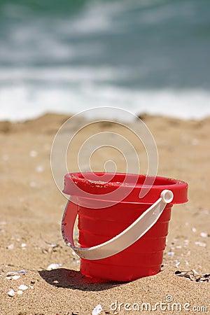 海滩红色沙子玩具