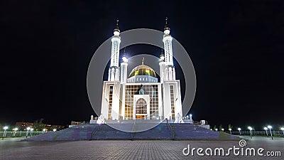 清真寺努尔Gasyr在阿克托比夜timelapse hyperlapse城市 卡扎克斯坦 股票视频