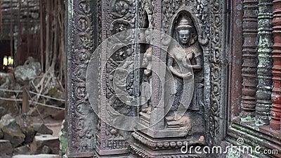 滑的美好的神雕刻在塔布茏寺寺庙墙壁上的观点 影视素材