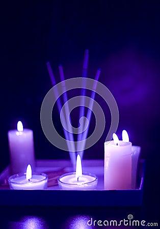 灼烧的蜡烛设置了