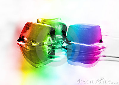 熔化在彩虹的冰