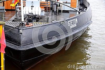 猛拉小船Stettin 编辑类照片