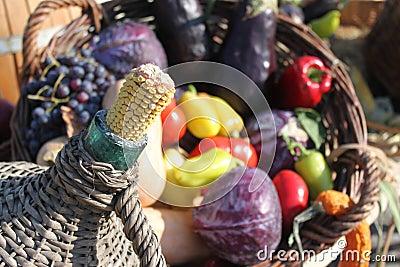 玉米棒子和秋天蔬菜