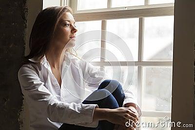 由视窗的妇女