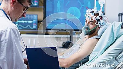 神经病学研究中心脑损伤患者剪贴板阅读 影视素材