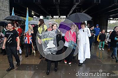 科学幻想小说伦敦游行2012 2012年4月29日 编辑类库存照片