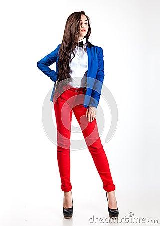 少妇系列癹n��.�_红色裤子和蓝色外套的甜少妇