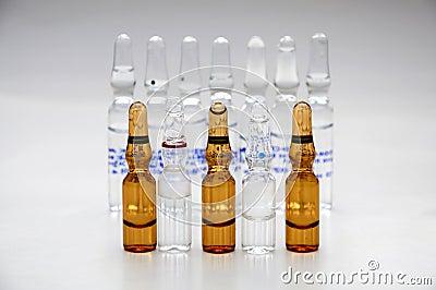 细颈瓶配药使用