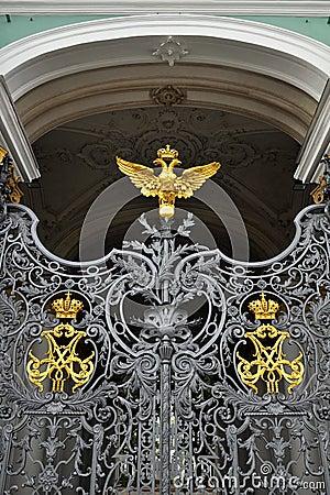 给宫殿彼得斯堡st冬天装门