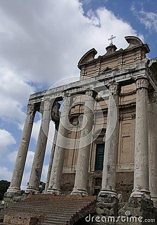 罗马论坛教会