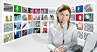 美丽的企业耳机红头发人妇女