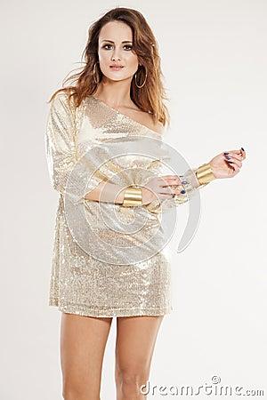 淫荡妇女操的流汤-小说_一名美好的成人淫荡深色的妇女的画象发光的银色礼服狂欢节创作的在