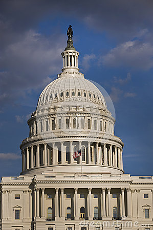 美国首都大厦。
