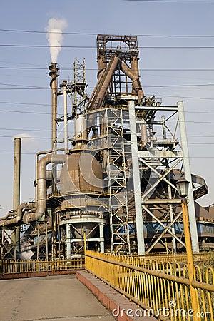 铁工厂袭击