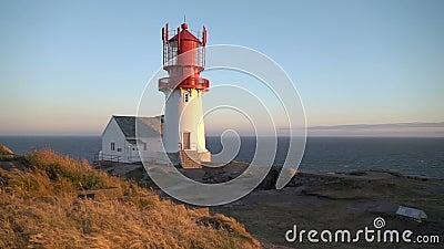 老Lindesnes灯塔, Lindesnes fyr是位于最南端的问题的一座沿海灯塔的挪威 股票视频