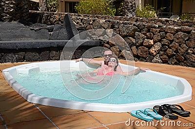 耦合热带的极可意浴缸