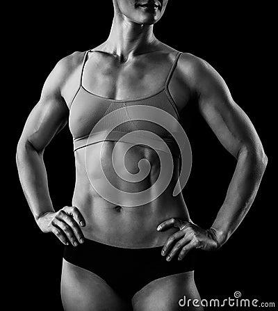 肌肉女性身体