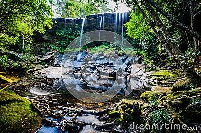 胃如此亦不瀑布,如此Tham Nuea瀑布,流动的水, fal