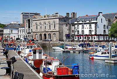 自定义英国房子普利茅斯码头 编辑类库存照片