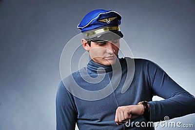 英俊的飞行员